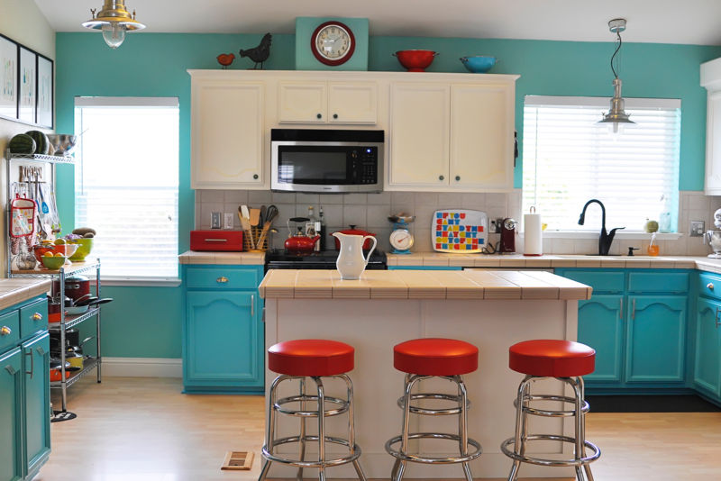 classic-kitchen-remodeling-paint-walls-standard_b82ed6814cc033c1654a631c79177262